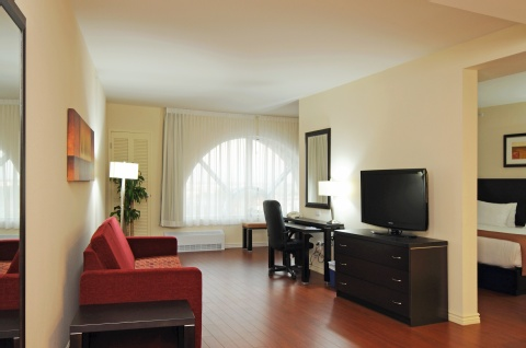 Holiday Inn Express & Suites Montreal Airport, QC H8T 1A6 near Montreal-Pierre Elliott Trudeau Int. Airport View Point 4