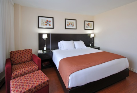 Holiday Inn Express & Suites Montreal Airport, QC H8T 1A6 near Montreal-Pierre Elliott Trudeau Int. Airport View Point 2