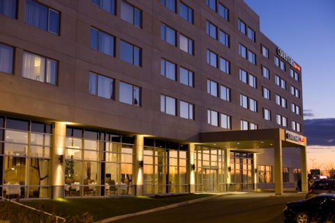Courtyard by Marriott Montreal Airport, QC H4M 2Z5 near Montreal-Pierre Elliott Trudeau Int. Airport View Point 23