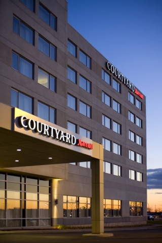 Courtyard by Marriott Montreal Airport, QC H4M 2Z5 near Montreal-Pierre Elliott Trudeau Int. Airport View Point 24