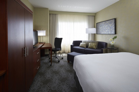 Courtyard by Marriott Montreal Airport, QC H4M 2Z5 near Montreal-Pierre Elliott Trudeau Int. Airport View Point 5