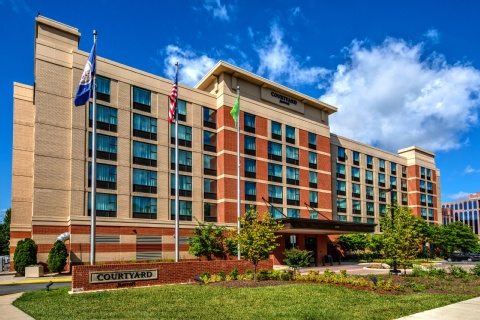 Courtyard by Marriott Dulles Airport Chantilly, VA 20171 near Washington Dulles International Airport View Point 1