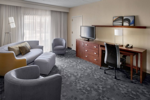 Courtyard by Marriott Hartford Windsor, CT 06095 near Bradley International Airport View Point 4