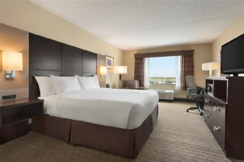 DOUBLETREE BY HILTON WICHITA AIRPORT, KS 67209-1941 near Wichita Dwight D. Eisenhower National Airport View Point 5