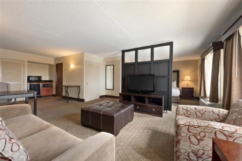 DOUBLETREE BY HILTON WICHITA AIRPORT, KS 67209-1941 near Wichita Dwight D. Eisenhower National Airport View Point 4