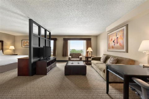 DOUBLETREE BY HILTON WICHITA AIRPORT, KS 67209-1941 near Wichita Dwight D. Eisenhower National Airport View Point 3