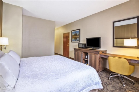 Hampton Inn Detroit/Belleville-Airport, MI 48111 near Detroit Metropolitan Wayne County Airport View Point 7