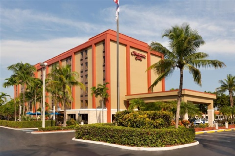 HAMPTON INN MIAMI AIRPORT WEST, FL 33166 near Miami International Airport View Point 1