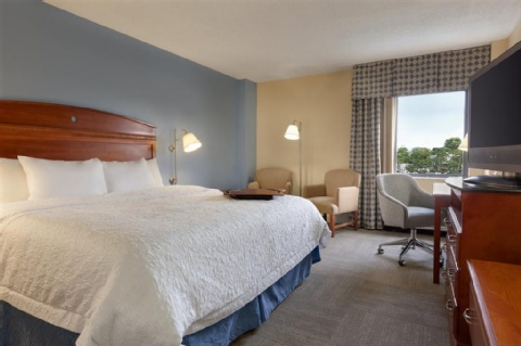 HAMPTON INN MIAMI AIRPORT WEST, FL 33166 near Miami International Airport View Point 9