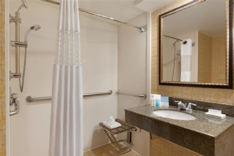 HAMPTON INN MIAMI AIRPORT WEST, FL 33166 near Miami International Airport View Point 3