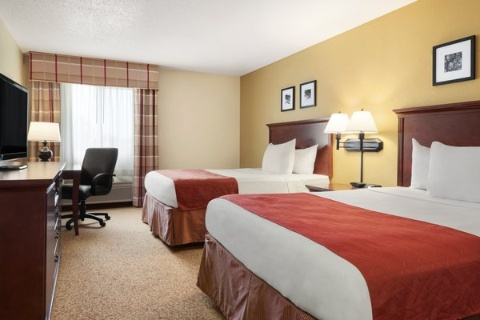Country Inn & Suites by Radisson, Cedar Rapids Airport, IA 52404 near The Eastern Iowa Airport View Point 7