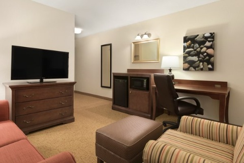 Country Inn & Suites by Radisson, Cedar Rapids Airport, IA 52404 near The Eastern Iowa Airport View Point 5