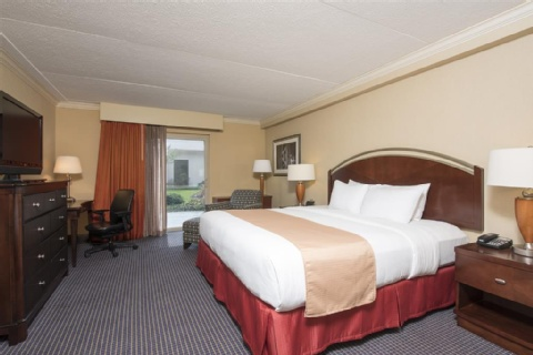 DoubleTree by Hilton Hotel Grand Rapids Airport, MI 49512 near Gerald R. Ford International Airport View Point 8