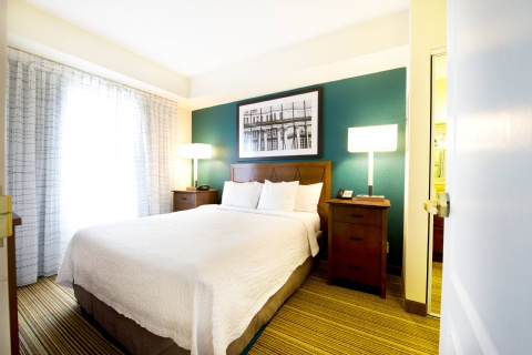 Residence Inn by Marriott Mississauga-Airport Corporate Centre West, ON L4W 5R2 near Toronto Pearson International Airport View Point 8