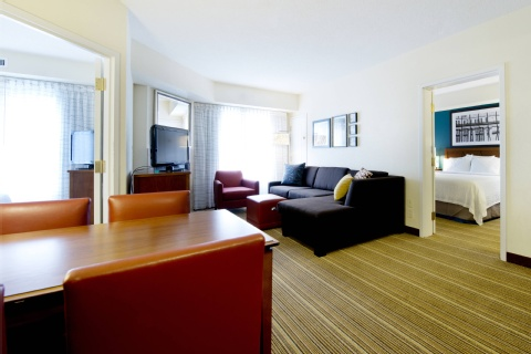 Residence Inn by Marriott Mississauga-Airport Corporate Centre West, ON L4W 5R2 near Toronto Pearson International Airport View Point 7