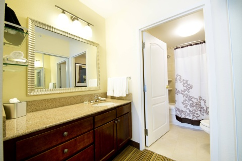 Residence Inn by Marriott Mississauga-Airport Corporate Centre West, ON L4W 5R2 near Toronto Pearson International Airport View Point 4