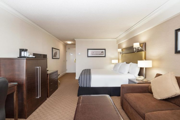 Sandman Signature Vancouver Airport Hotel & Resort, BC V6X 2M9 near Vancouver International Airport View Point 17