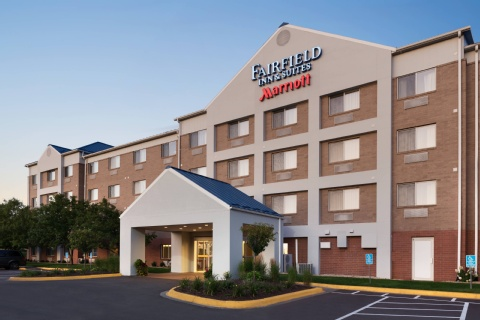 Fairfield Inn & Suites Minneapolis Bloomington/Mall of America, MN 55425     near Minneapolis-saint Paul International Airport (wold-chamberlain Field) View Point 1