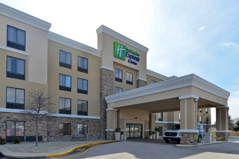 Holiday Inn Express Hotel & Suites Indianapolis , IN 46224
