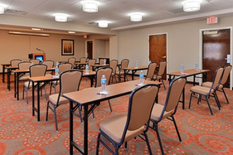 Holiday Inn Express Hotel & Suites Indianapolis , IN 46224 near Indianapolis International Airport View Point 31