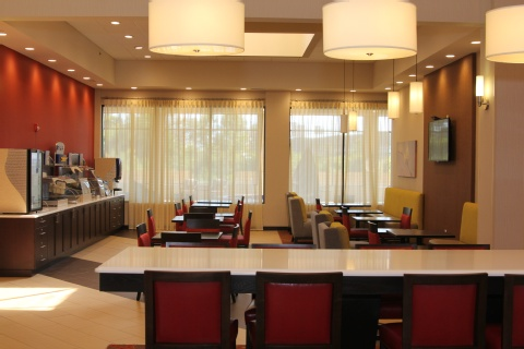 Holiday Inn Express Hotel & Suites Indianapolis , IN 46224 near Indianapolis International Airport View Point 26
