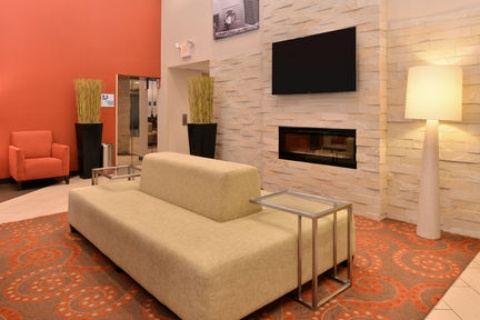 Holiday Inn Express Hotel & Suites Indianapolis , IN 46224 near Indianapolis International Airport View Point 24