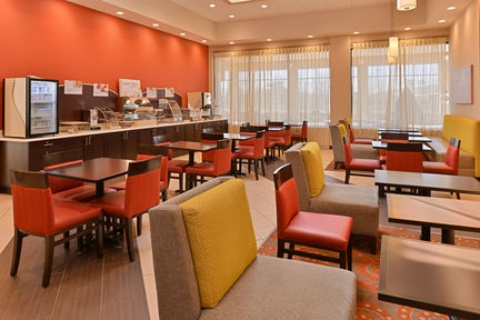 Holiday Inn Express Hotel & Suites Indianapolis , IN 46224 near Indianapolis International Airport View Point 20