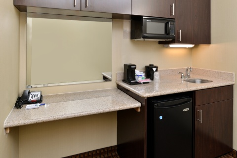 Holiday Inn Express Hotel & Suites Indianapolis , IN 46224 near Indianapolis International Airport View Point 15