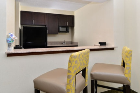 Holiday Inn Express Hotel & Suites Indianapolis , IN 46224 near Indianapolis International Airport View Point 13