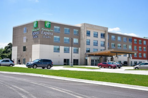 Holiday Inn Express & Suites Bensenville - O'Hare, IL 60106 near Ohare International Airport View Point 1