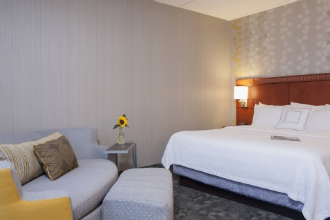 Courtyard by Marriott Chicago Glenview/Northbrook, IL 60025 near Ohare International Airport View Point 8