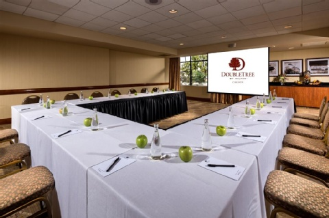 DoubleTree by Hilton Hotel Carson, CA 90745-2231 near Long Beach Airport View Point 10