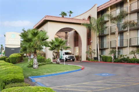Embassy Suites by Hilton Phoenix Airport, AZ 85016 near Sky Harbor International Airport View Point 1