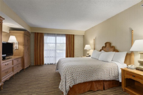 Embassy Suites by Hilton Phoenix Airport, AZ 85016 near Sky Harbor International Airport View Point 9