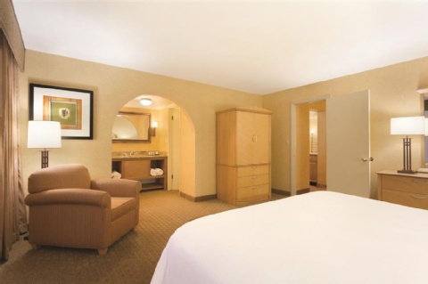 Embassy Suites by Hilton Phoenix Airport, AZ 85016 near Sky Harbor International Airport View Point 7