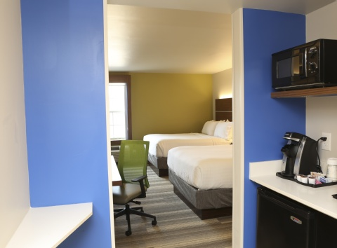 Holiday Inn Express & Suites Phoenix Airport, AZ 85034 near Sky Harbor International Airport View Point 11