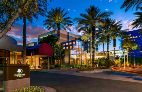 DoubleTree Suites by Hilton Hotel Phoenix, AZ 85008 near Sky Harbor International Airport View Point 1
