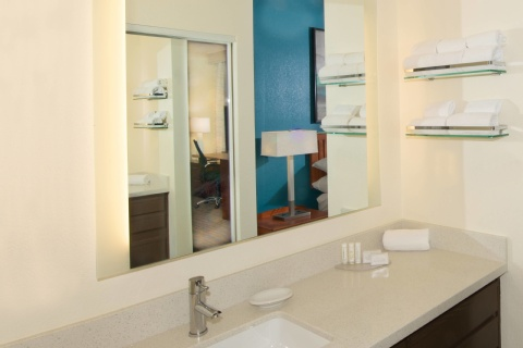 Residence Inn Phoenix Airport, AZ 85008 near Sky Harbor International Airport View Point 2
