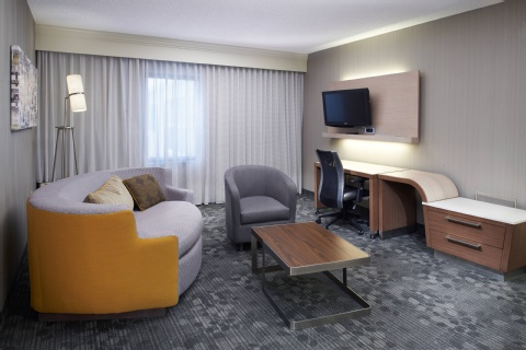 Courtyard by Marriott Cleveland Airport North, OH 44070 near Cleveland Hopkins International Airport View Point 4