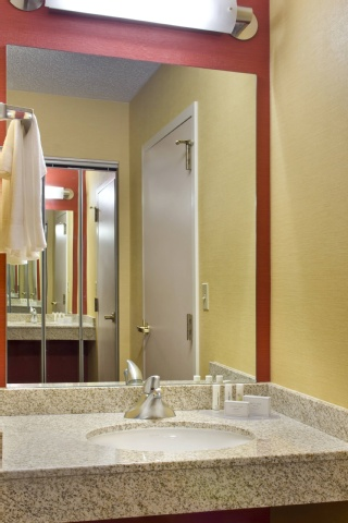 Courtyard by Marriott Allentown Bethlehem/Lehigh Valley Airport, PA 18018 near Lehigh Valley International Airport View Point 4