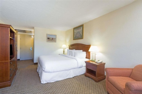 Days Inn by Wyndham Columbus Airport , OH 43219 near Port Columbus International Airport View Point 8