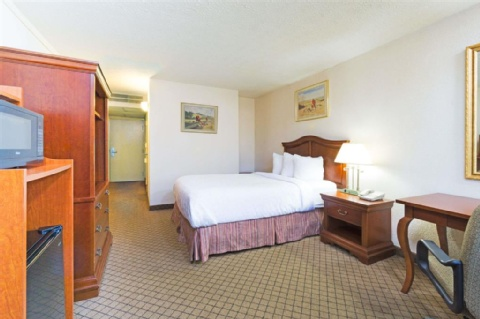 Days Inn by Wyndham Columbus Airport , OH 43219 near Port Columbus International Airport View Point 7