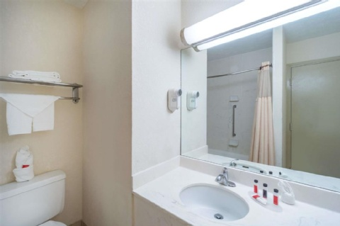 Days Inn by Wyndham Columbus Airport , OH 43219 near Port Columbus International Airport View Point 5
