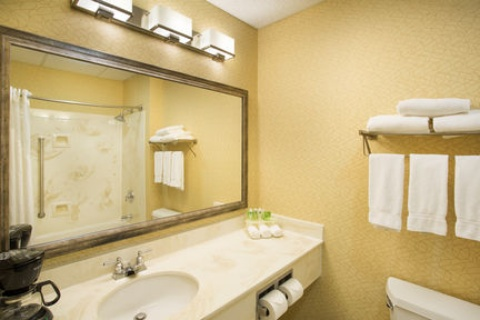 Holiday Inn Express & Suites Columbus Airport, OH 43230 near Port Columbus International Airport View Point 22
