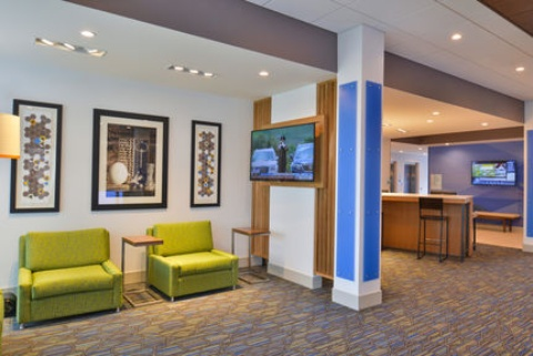 Holiday Inn Express & Suites Omaha Airport, NE 51510 near Eppley Airfield View Point 36