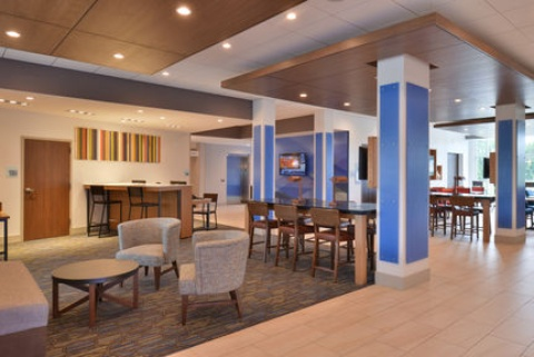 Holiday Inn Express & Suites Omaha Airport, NE 51510 near Eppley Airfield View Point 30