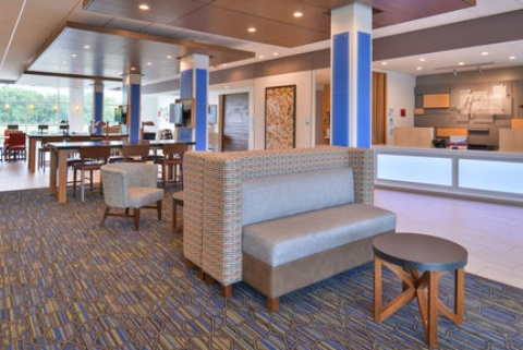 Holiday Inn Express & Suites Omaha Airport, NE 51510 near Eppley Airfield View Point 28
