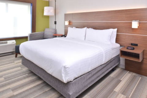 Holiday Inn Express & Suites Omaha Airport, NE 51510 near Eppley Airfield View Point 23