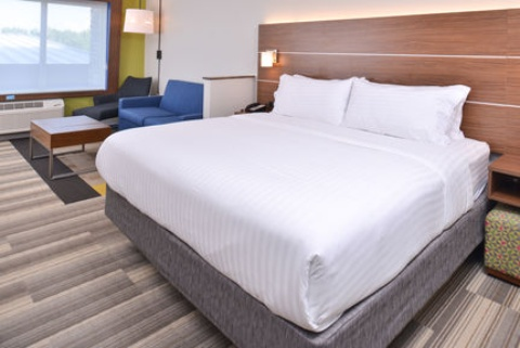 Holiday Inn Express & Suites Omaha Airport, NE 51510 near Eppley Airfield View Point 21