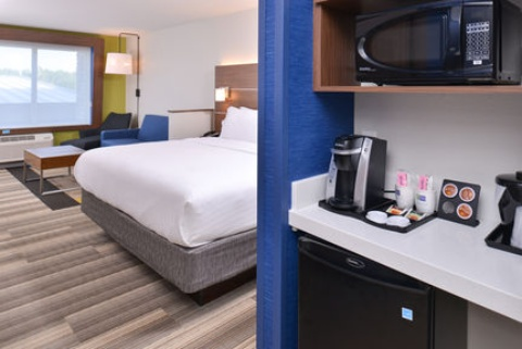 Holiday Inn Express & Suites Omaha Airport, NE 51510 near Eppley Airfield View Point 20